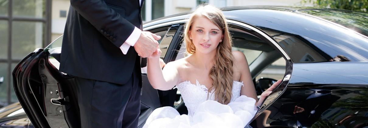 Bride-Getting-Wed-1210×423